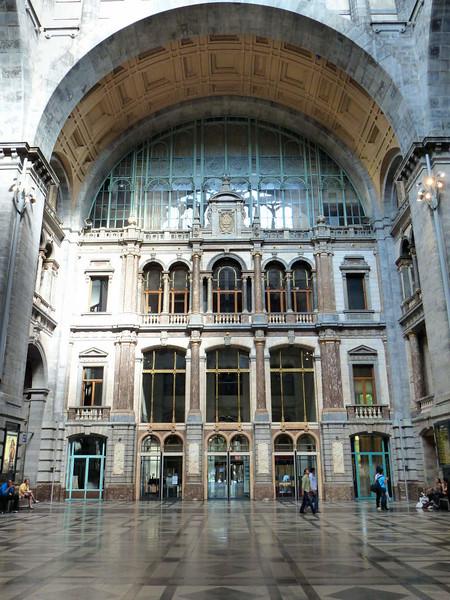 Interior da Estação Central de Trens de Antuérpia