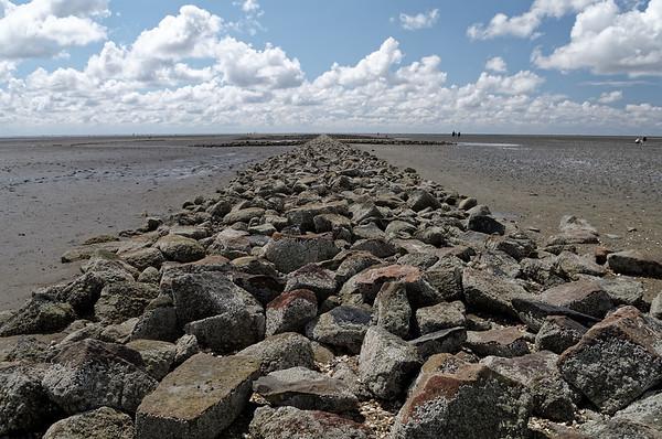 Groyne extending into the Wadden Sea