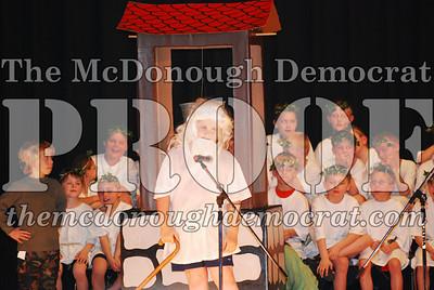 BPC Choral Program 2nd & 3rd grade 03-20-07 027