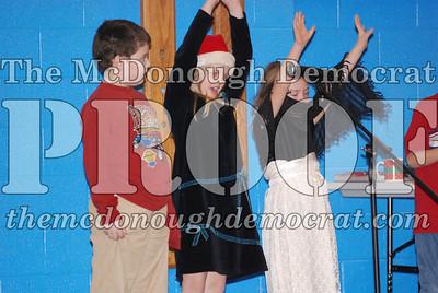 BPC Elementary Xmas Assembly 12-20-06 008