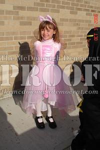 Halloween Parade 10-31-06 015