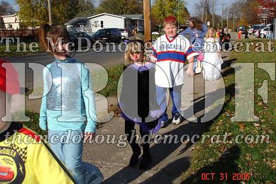 Halloween Parade 10-31-06 005