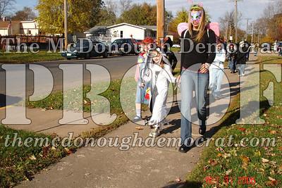 Halloween Parade 10-31-06 010
