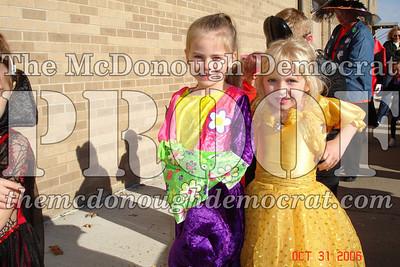 Halloween Parade 10-31-06 016