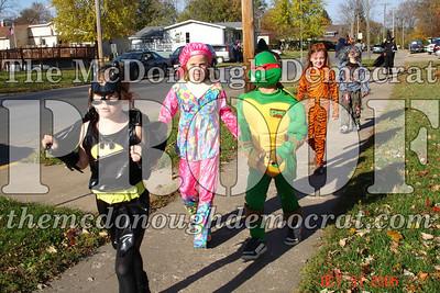 Halloween Parade 10-31-06 012