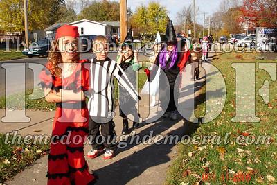 Halloween Parade 10-31-06 011