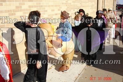 Halloween Parade 10-31-06 013