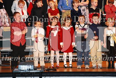 1st Grade Xmas Program 12-17-07 015