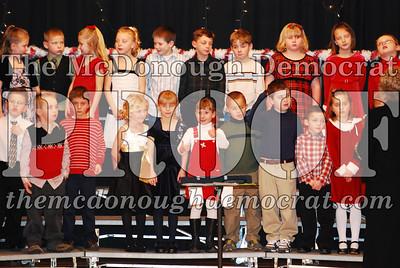 1st Grade Xmas Program 12-17-07 008