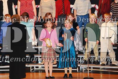 4th Grade Xmas Program 12-17-07 009