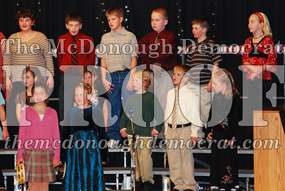 4th Grade Xmas Program 12-17-07 011