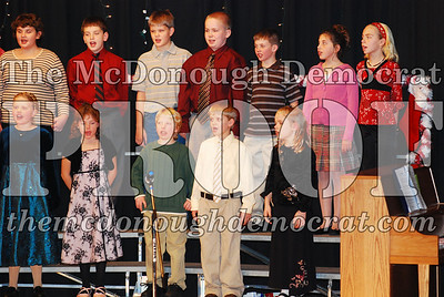 4th Grade Xmas Program 12-17-07 005