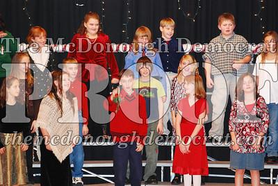 5th Grade Xmas Program 12-17-07 016