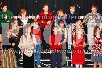 5th Grade Xmas Program 12-17-07 015