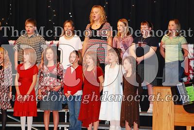 5th Grade Xmas Program 12-17-07 009