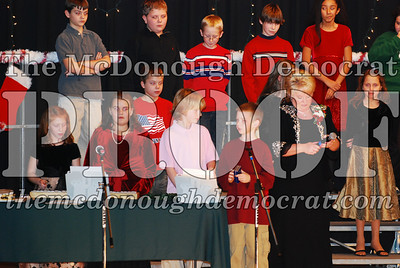 5th Grade Xmas Program 12-17-07 005