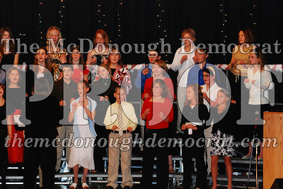 BPC 6th Gr Choir Xmas Program 12-16-07 019