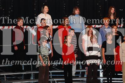BPC 6th Gr Choir Xmas Program 12-16-07 013