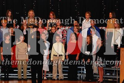 BPC 6th Gr Choir Xmas Program 12-16-07 015