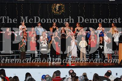 BPC 6th Gr Choir Xmas Program 12-16-07 022