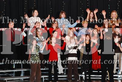 BPC 6th Gr Choir Xmas Program 12-16-07 020