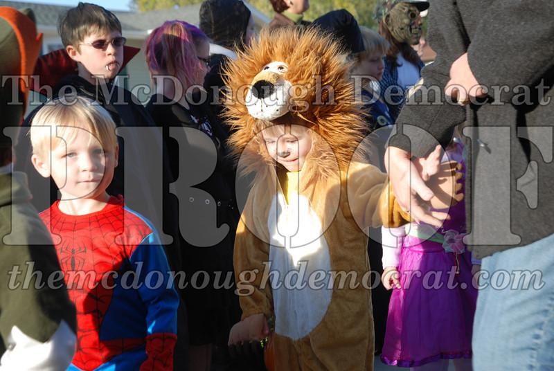 BPC Elem Halloween Parade 10-31-08 073