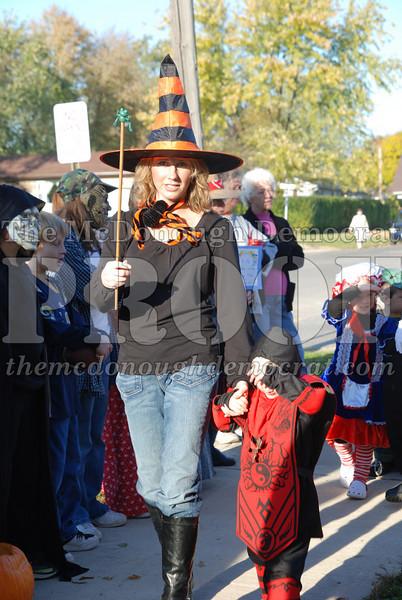 BPC Elem Halloween Parade 10-31-08 070