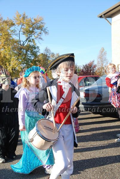 BPC Elem Halloween Parade 10-31-08 082
