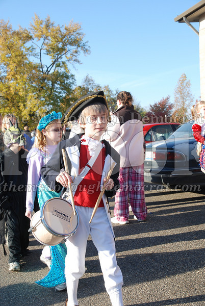 BPC Elem Halloween Parade 10-31-08 081