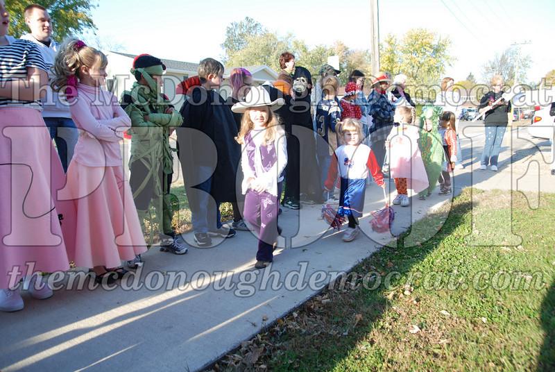 BPC Elem Halloween Parade 10-31-08 064