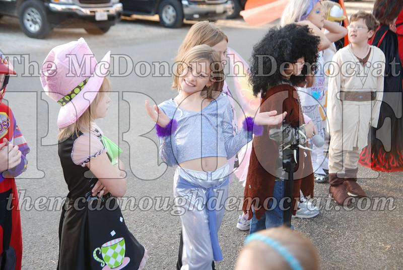 BPC Elem Halloween Parade 10-31-08 075