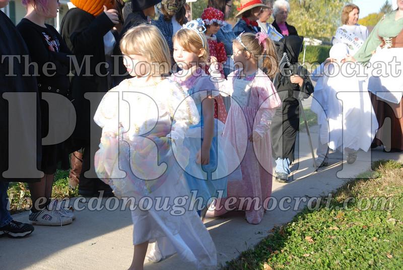 BPC Elem Halloween Parade 10-31-08 068