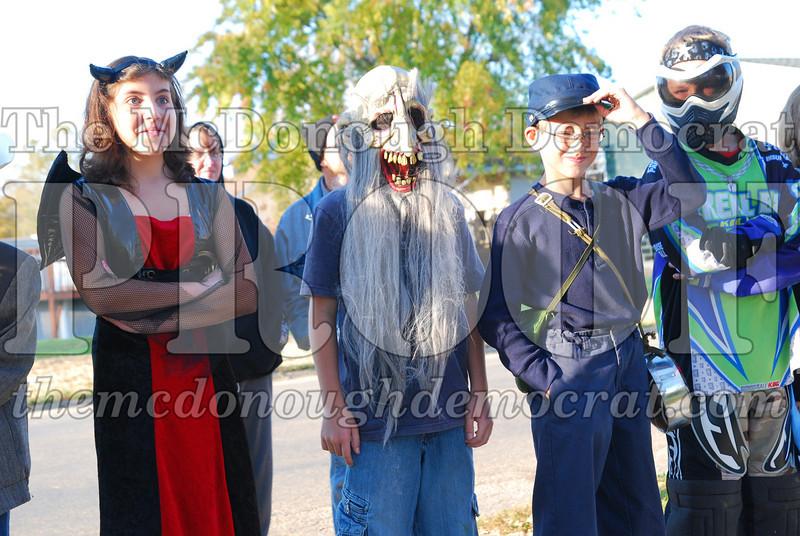 BPC Elem Halloween Parade 10-31-08 019