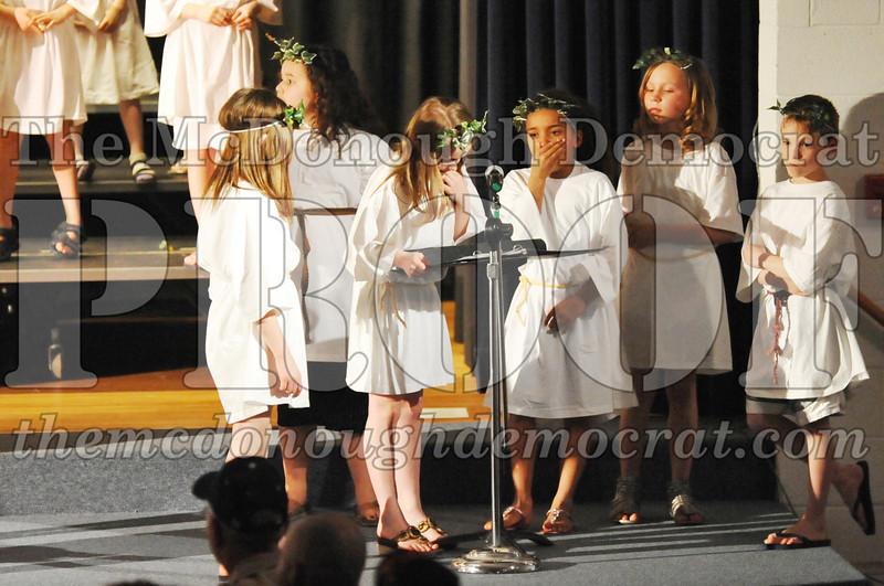2nd & 3rd gr Chorus Spring Music Program 03-29-11 080