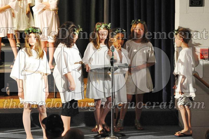 2nd & 3rd gr Chorus Spring Music Program 03-29-11 078