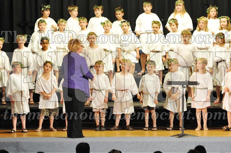 2nd & 3rd gr Chorus Spring Music Program 03-29-11 039