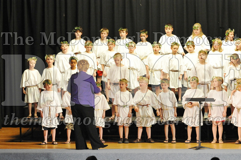 2nd & 3rd gr Chorus Spring Music Program 03-29-11 040