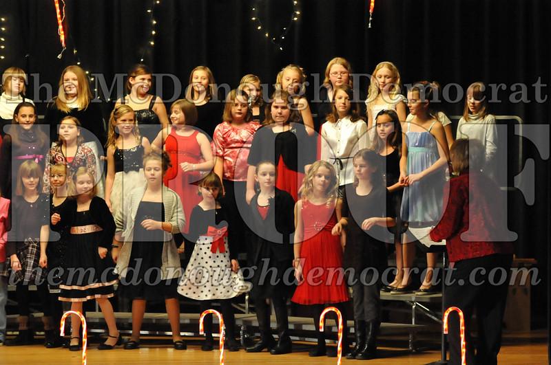 Elem 4th & 5th gr Christmas Choral Concert 12-14-10 052
