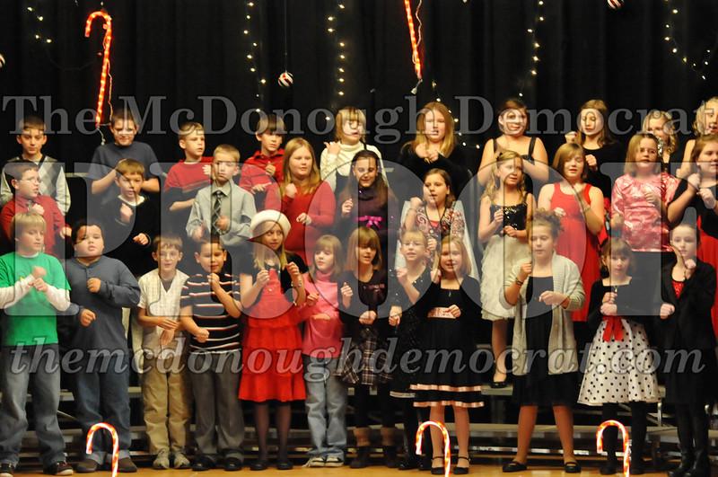 Elem 4th & 5th gr Christmas Choral Concert 12-14-10 054