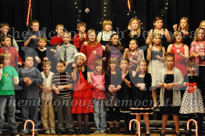 Elem 4th & 5th gr Christmas Choral Concert 12-14-10 058
