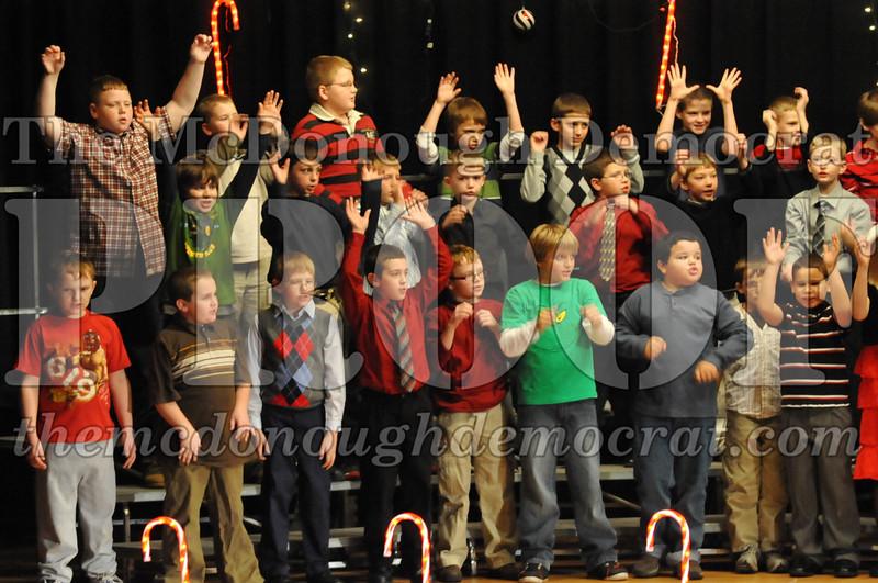 Elem 4th & 5th gr Christmas Choral Concert 12-14-10 061
