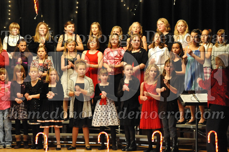 Elem 4th & 5th gr Christmas Choral Concert 12-14-10 049