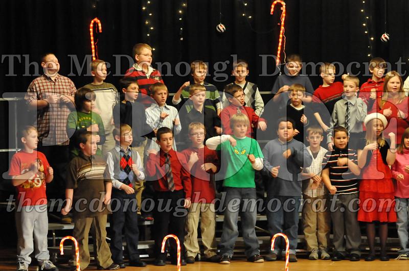 Elem 4th & 5th gr Christmas Choral Concert 12-14-10 056