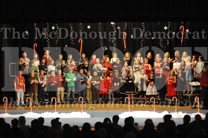 Elem 4th & 5th gr Christmas Choral Concert 12-14-10 063