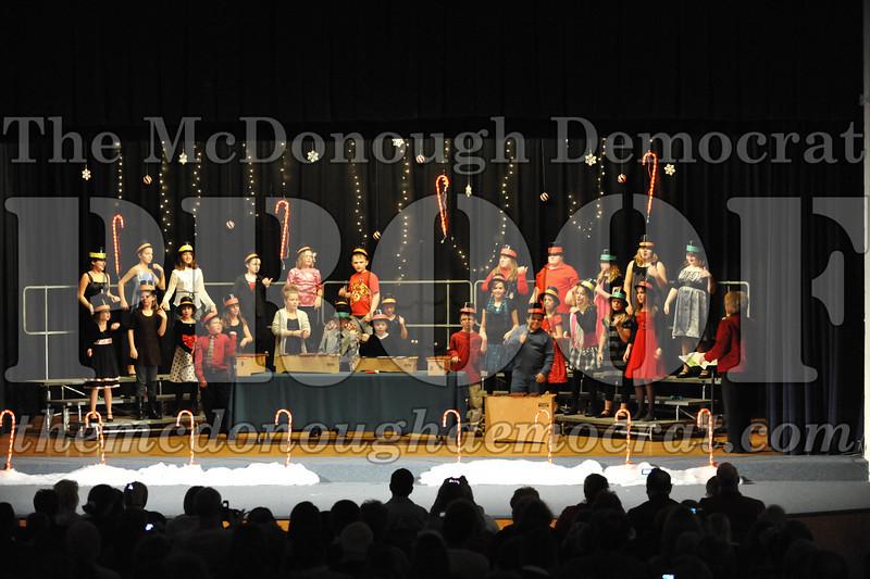 Elem 4th & 5th gr Christmas Choral Concert 12-14-10 018