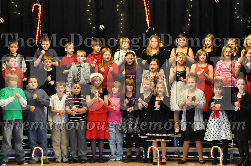 Elem 4th & 5th gr Christmas Choral Concert 12-14-10 055