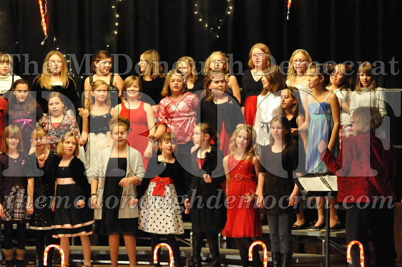 Elem 4th & 5th gr Christmas Choral Concert 12-14-10 043