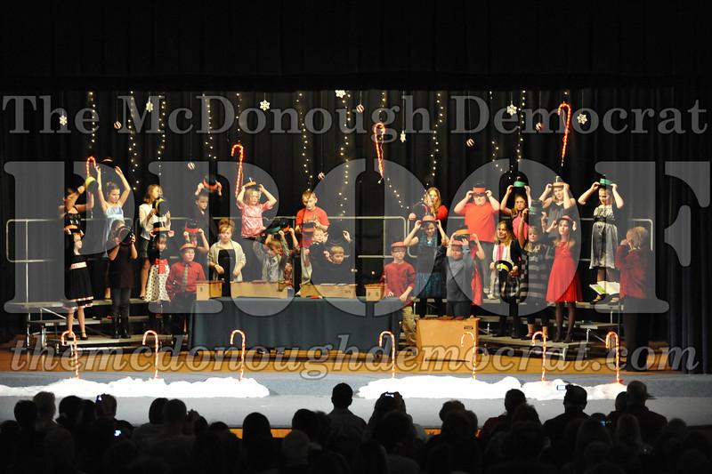 Elem 4th & 5th gr Christmas Choral Concert 12-14-10 016