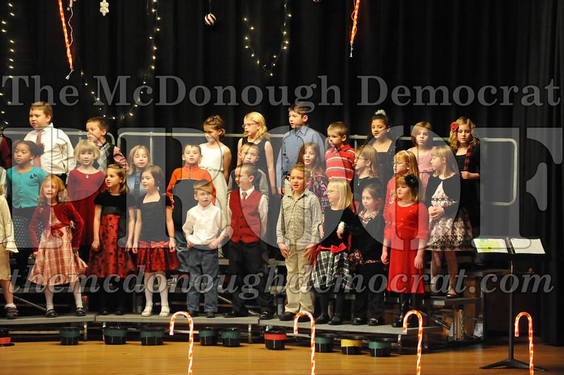 Elem K & 1st gr Christmas Choral Concert 042