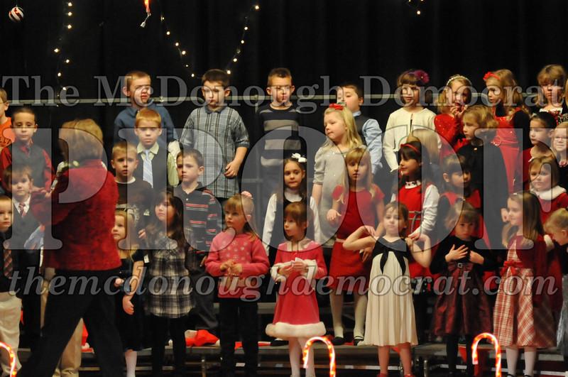 Elem K & 1st gr Christmas Choral Concert 011